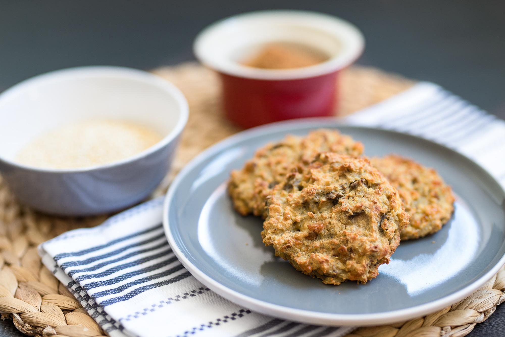 Quinoa na slano. Rascové karbonátky plnené tofu a šampiňónmi.
