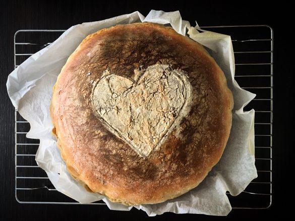 Oškvarkový kváskový chlieb od Denisy Kočanovej. Zamilujete sa do neho