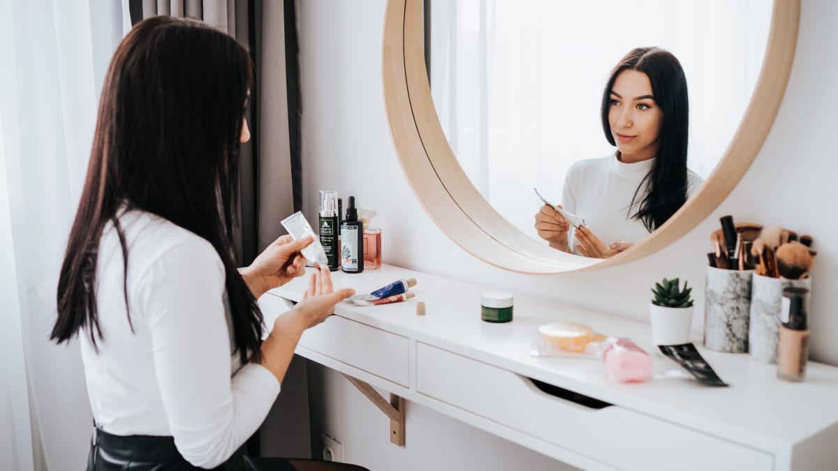 4 tipy ako sa starať o aknóznu pleť od odborníčky na kozmetiku Mirky Kucejovej