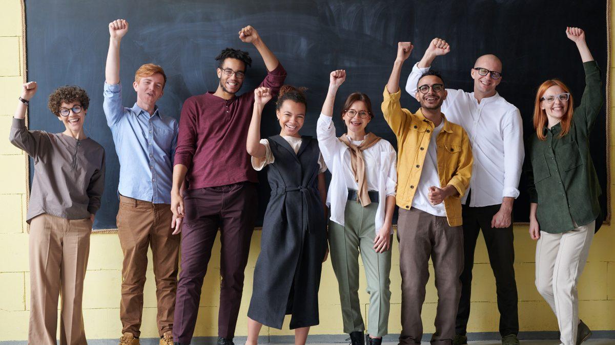 Kriticky myslieť neznamená kritizovať médiá, ale mať odstup od informácií. Rozhovor s manažérom European Youth Press
