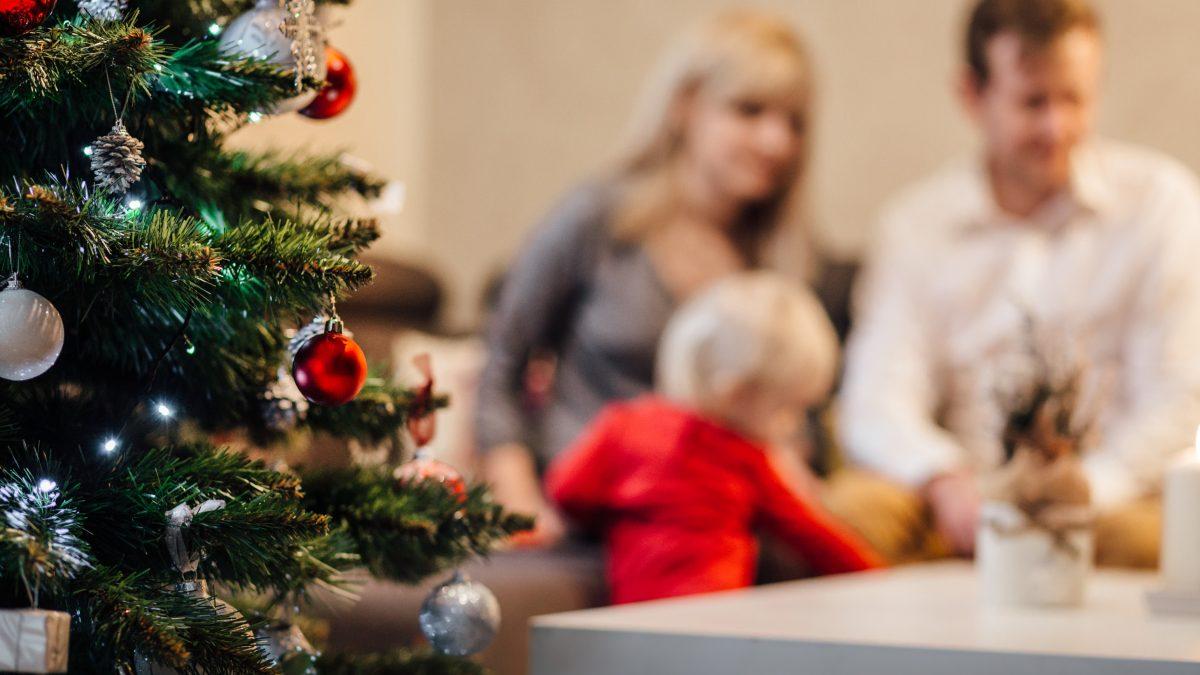 Ako prežiť Vianoce so svokrovcami a nezblázniť sa? Rozhovor so vzťahovou koučkou