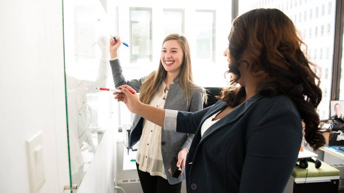 Čaká ťa prezentácia pred publikom? 4 tipy, ktoré ti pomôžu k sebavedomému prejavu