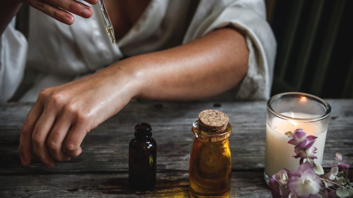Esenciálne oleje. Prečo by sa mali stať súčasťou starostlivosti o zdravie?